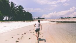 how-to-get-started-running-runner-on-beach