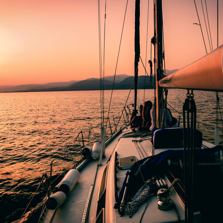 sailboat-choose-the-direction-for-your-day